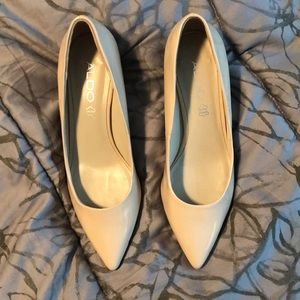 Aldo nude patent leather pointy-toe low pumps